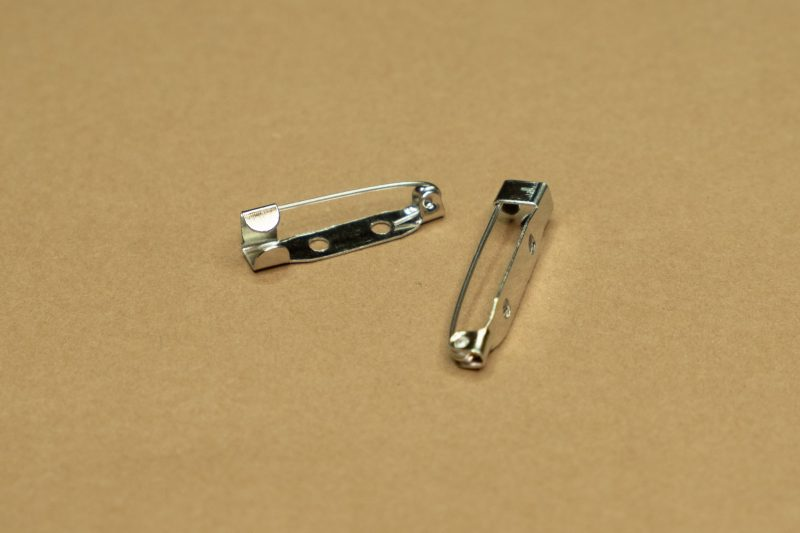 rückseitig mit Broschennadel 25mm